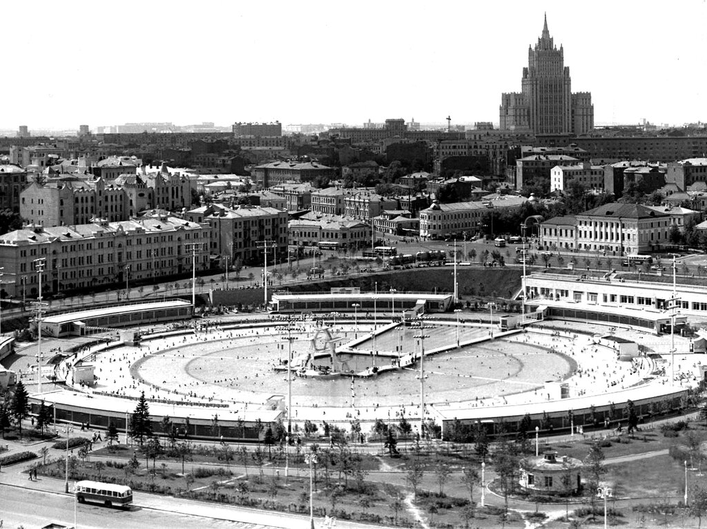 Бассейн Москва!