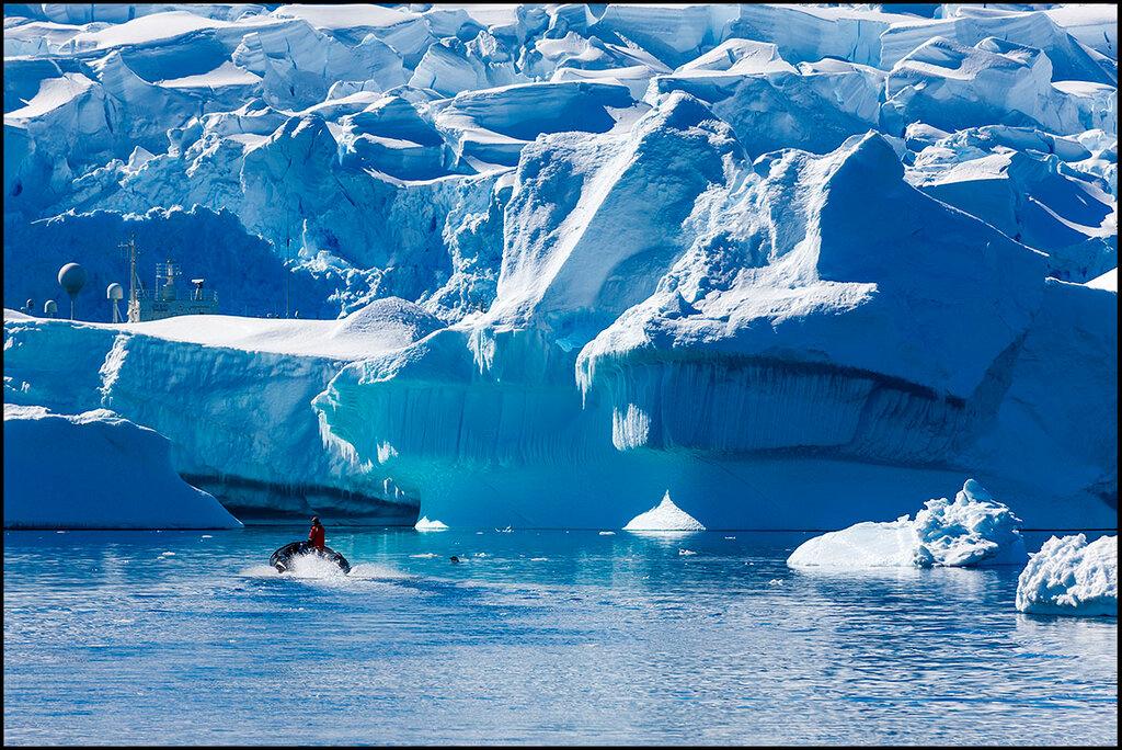 Антарктический полуостров. У края ледника.jpg