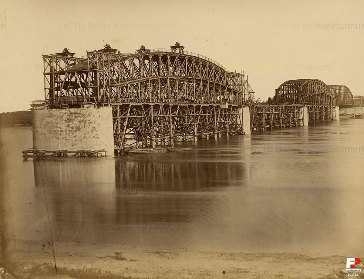 Леса для установки пролетов моста, 1872