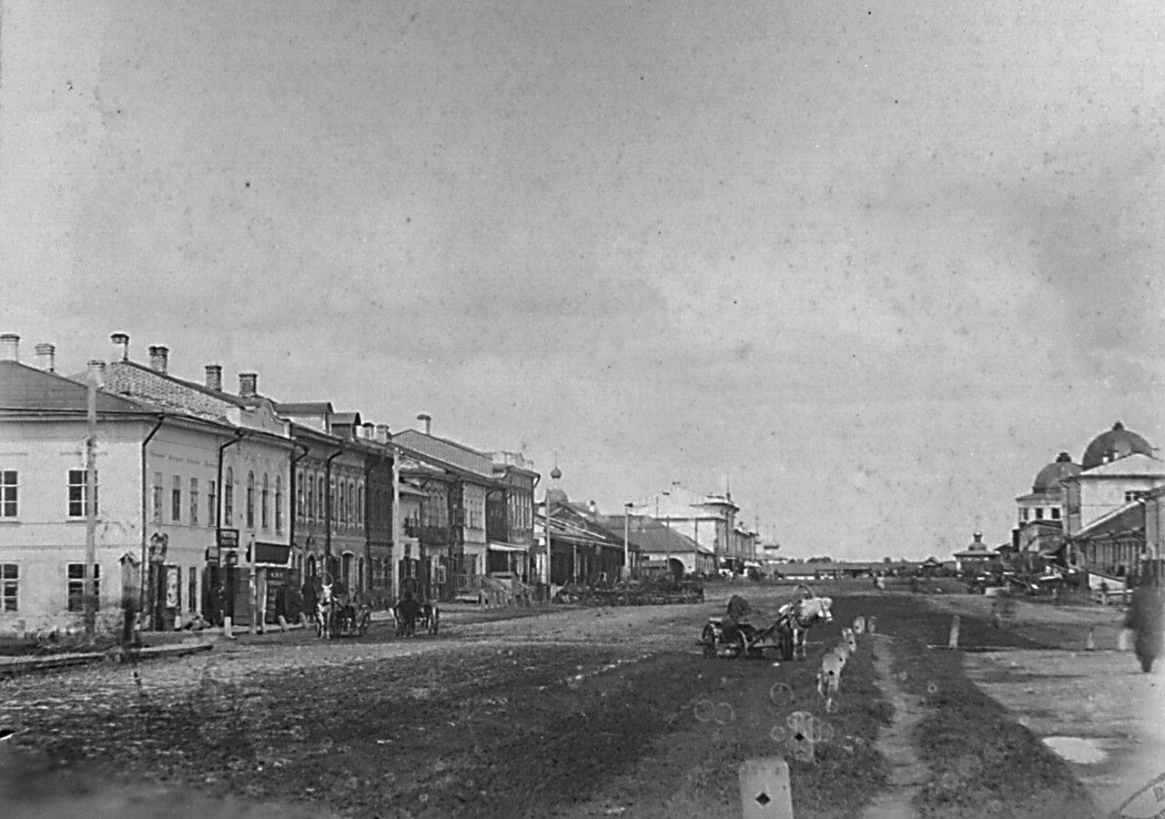Гостинодворская улица.