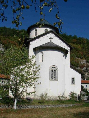 Анна Печенова, Черногория, монастырь