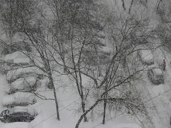 Московский дворик. 25 марта 2013 года.