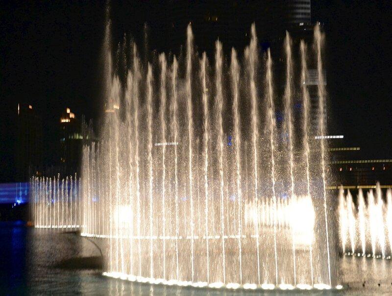 Поющий фонтан в Дубай...