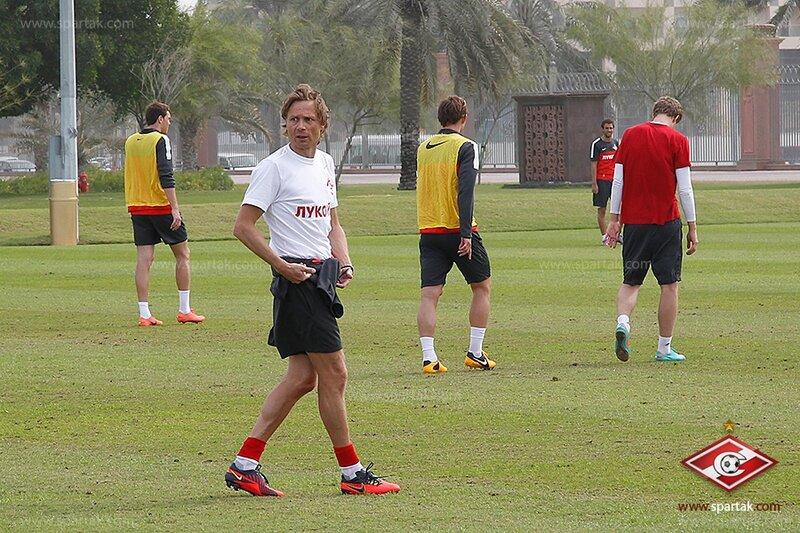 Спартаковцы тренируются в Абу-Даби (Фото)