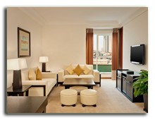 ОАЭ. Дубаи. UAE. Grosvenor House, Dubai. Premier Suite - Living Room
