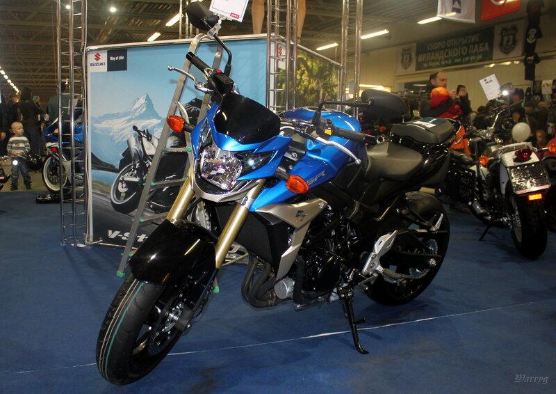 Обновленный среднеразмерный нейкед Suzuki GSR750A