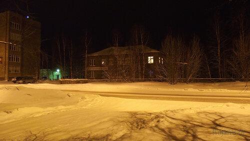 Фото города Инта №2561  Куратова 5 и 11 (стоматологическая поликлиника) 30.01.2013_17:45