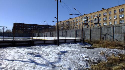 Фото города Инта №4164  Корт за школой №9 (Мира 21 и Чернова 4) 30.04.2013_13:03