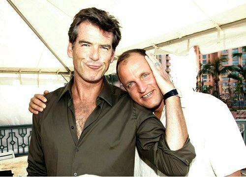 "Pierce Brosnan and Woody Harrelson at the Atlantis resort in Nassau, Bahamas where Pierce is promoting the film ""After the Sunset"".  October 11, 2004. © Armando Gallo / Retna Ltd.** NO USA UNTIL JANUARY 11, 2004 **** NO ITALY **** NO TABS / SKIN M"