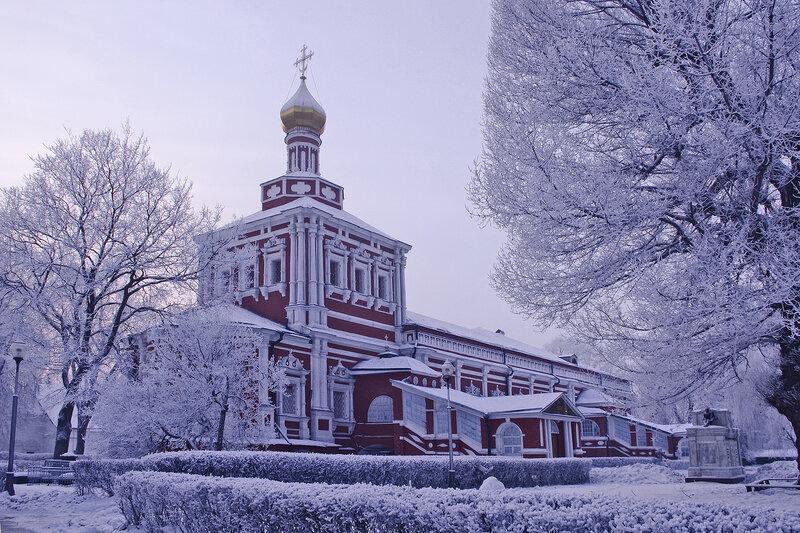Успенская церковь с трапезной палатой