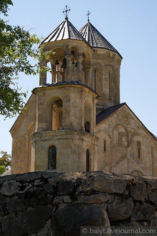 Никорцминда - церковь в Раче, знаменитый памятник древнегрузинской архитектуры (XI век)