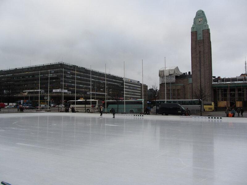Каток на центральной площади