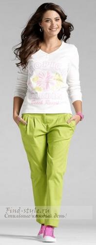 Свободные брюки цвета нежной весенней зелени
