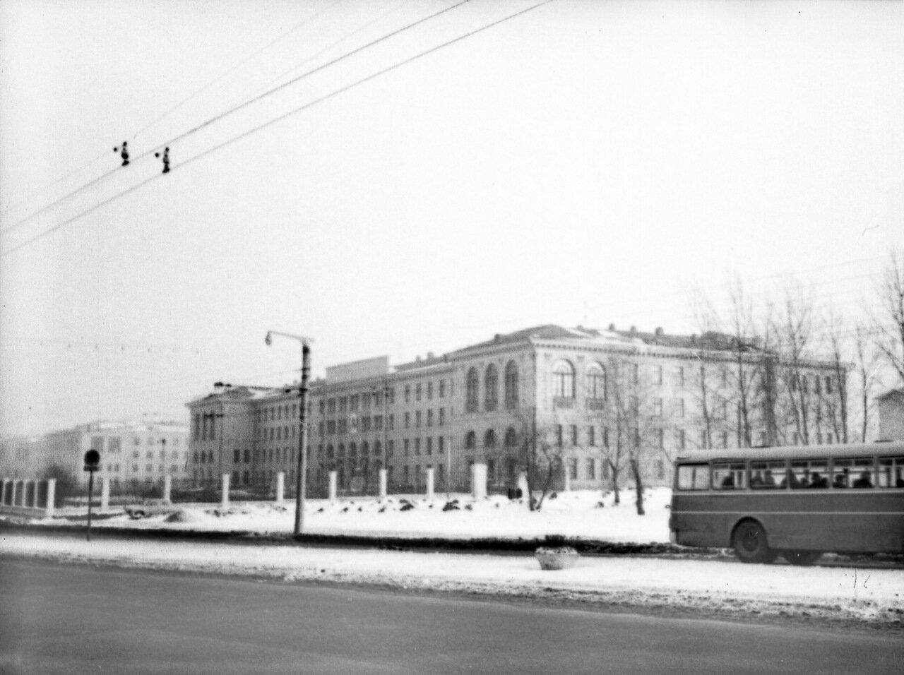 Проспект Гагарина. Университет