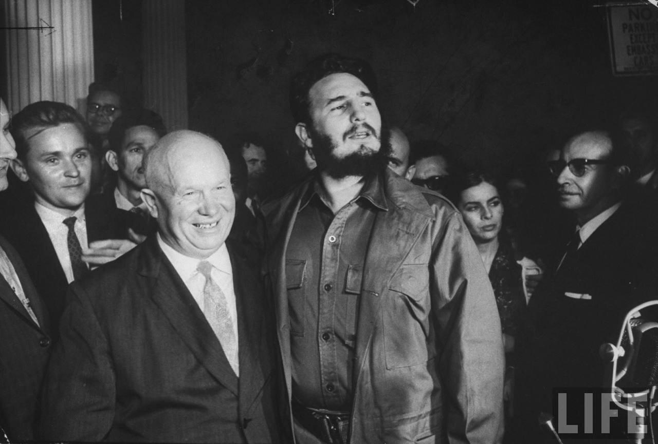 Никита Сергеевич Хрущев  и Фидель Кастро во время сессии Генеральной Ассамблеи Организации Объединенных Наций