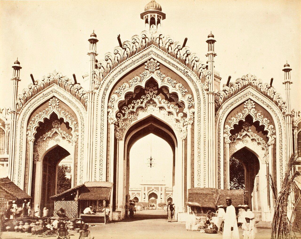 Врата на базар Хусейнобада. 1867 г.