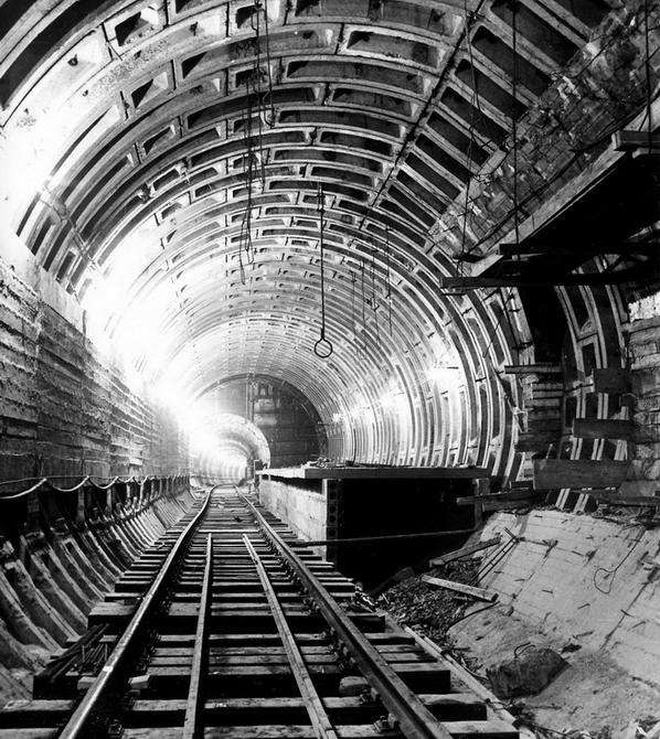 1962.10. Тоннель возле станции метро Политехнический институт. Фото: Примаченко А.