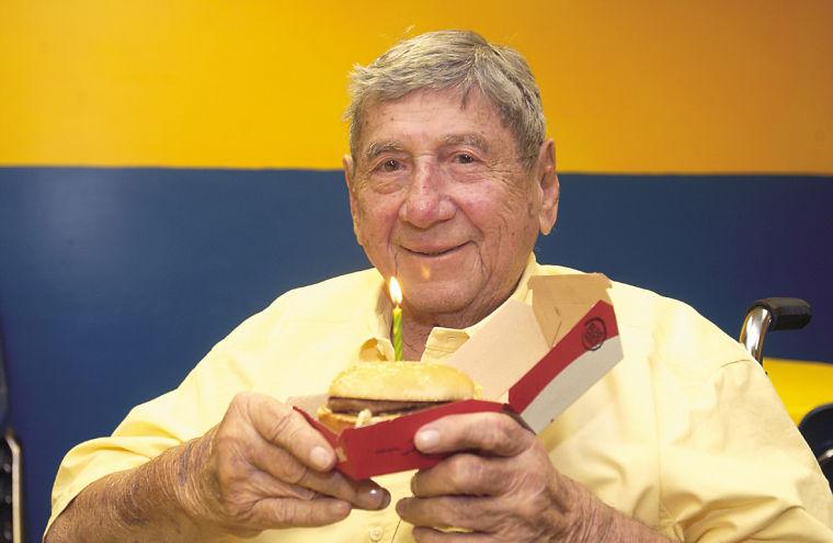 Скончался мировая легенда McDonald's создатель «Биг-Мака»