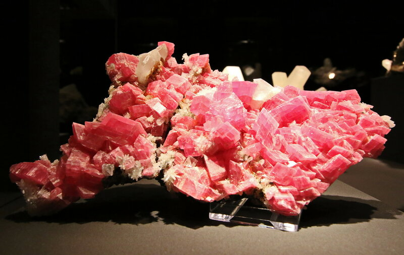 Rhodochrosit, Quarz, Fluorit...2H1A7116ОВ.JPG
