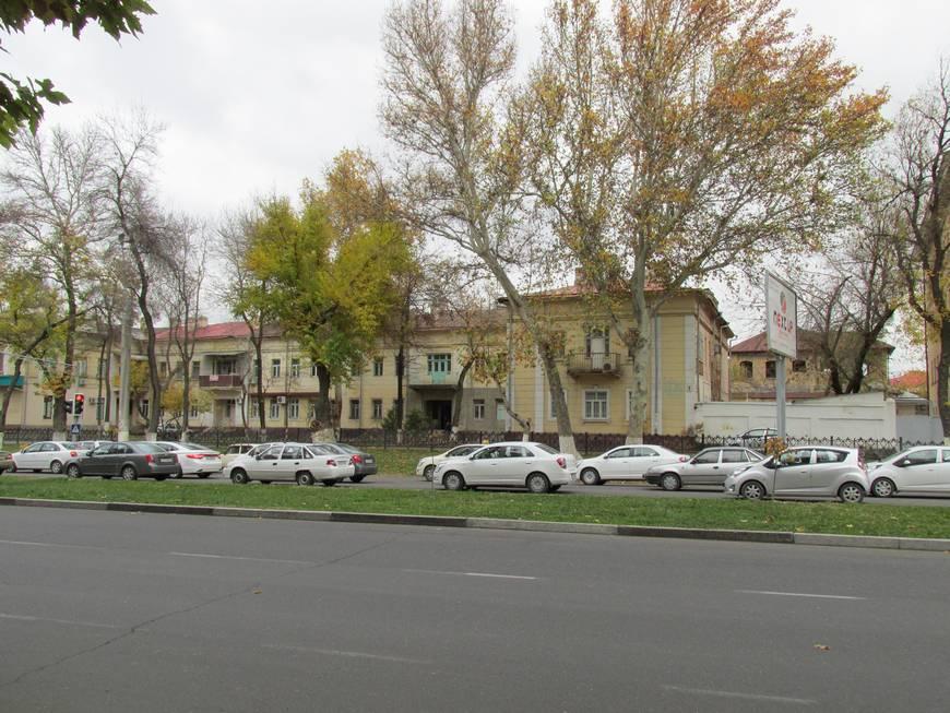сталинские дома на улице бабура 7.JPG