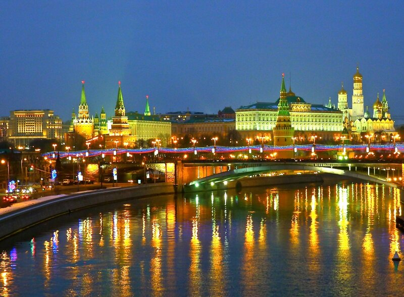 Вечерняя Москва. Февраль.