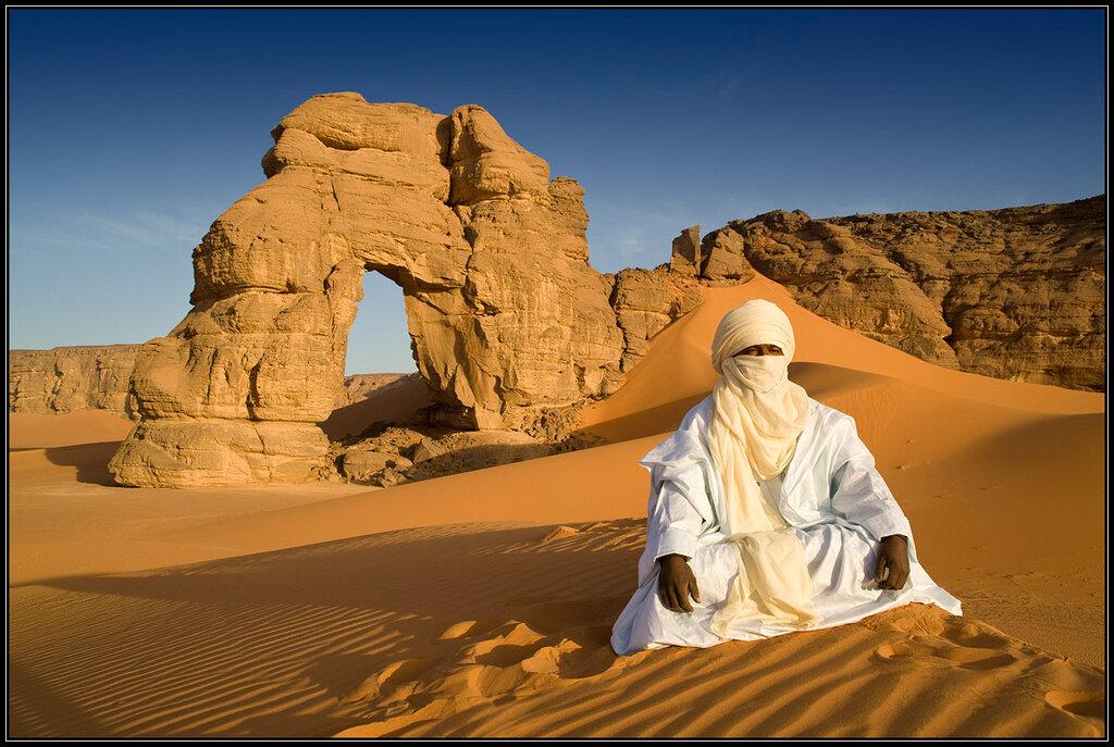 Ливия с Юрием Пустовым. Локал и арка.jpg