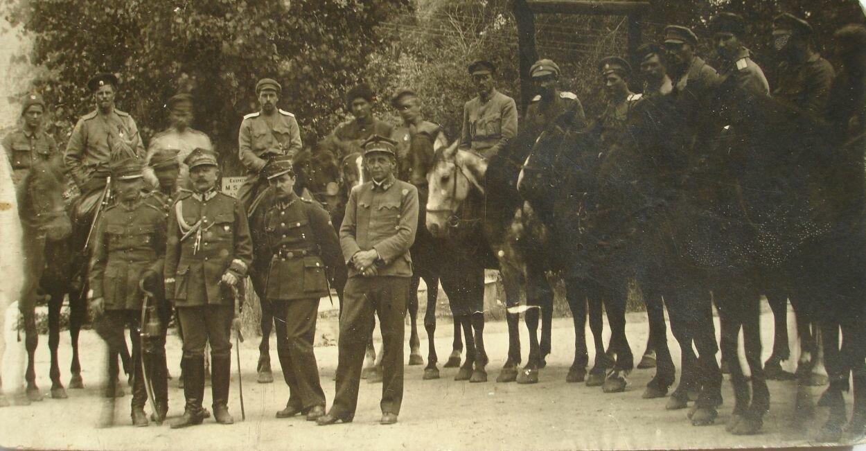 Булак-Балахович и польские офицеры. 1920