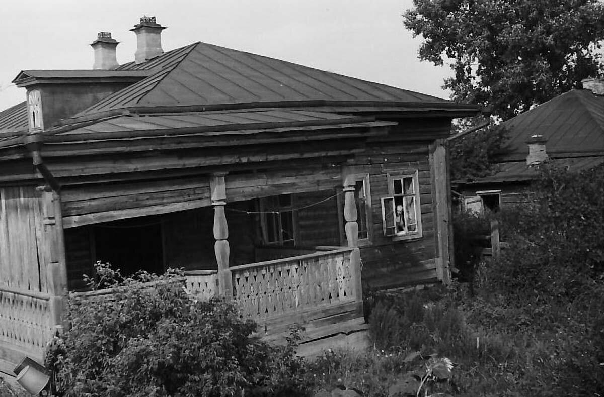 Улица Московская, дом Чарушниковых