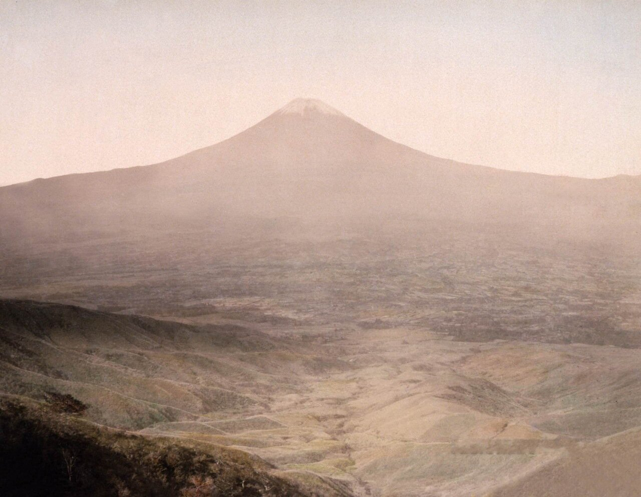 Гора Фудзи из Отометоге. Япония. 1890 г.