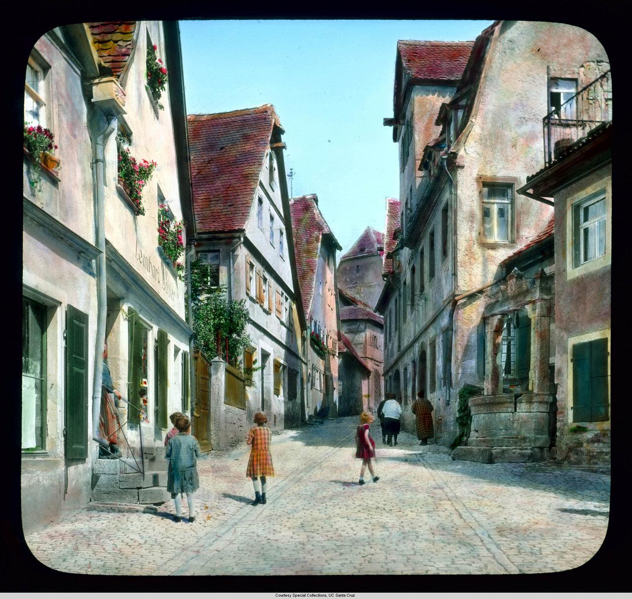 Ротенбург-на-Таубере. Сульзенгассен с фонтаном Экелесбрюнен
