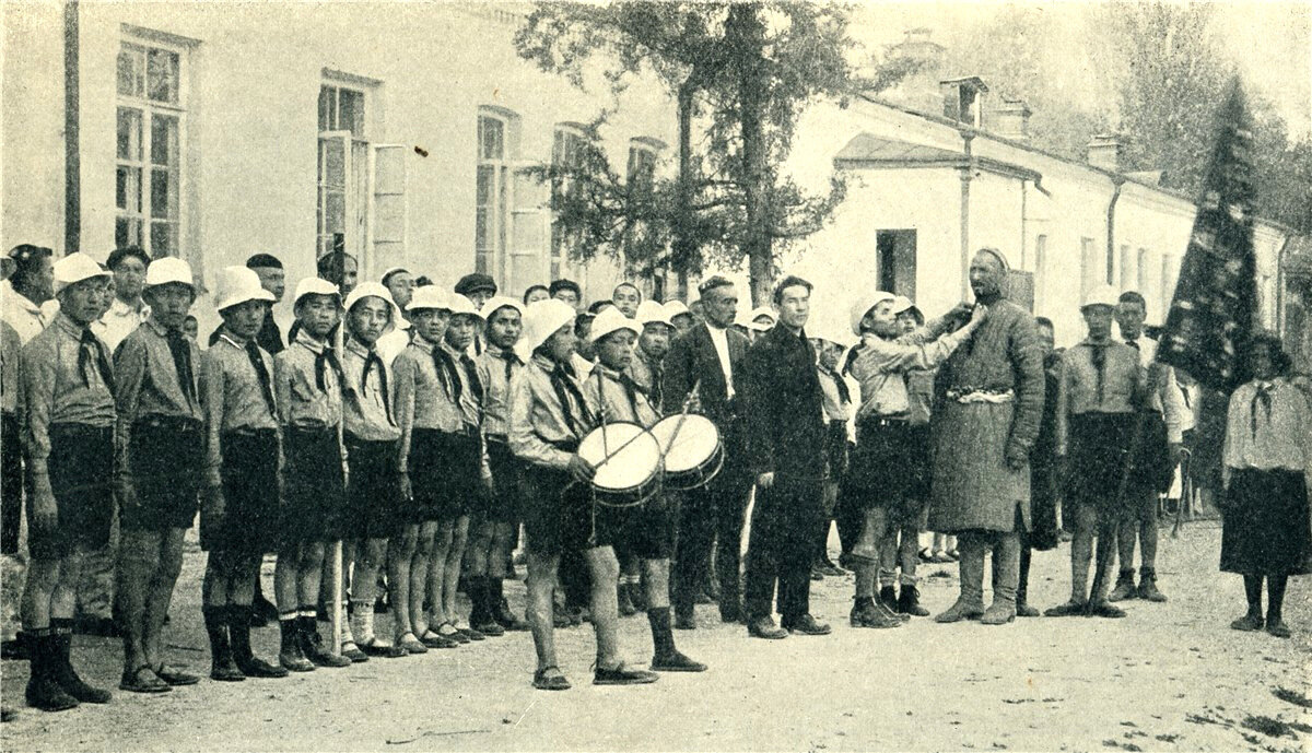 1920-ые годы. Парад пионеров в Ташкенте