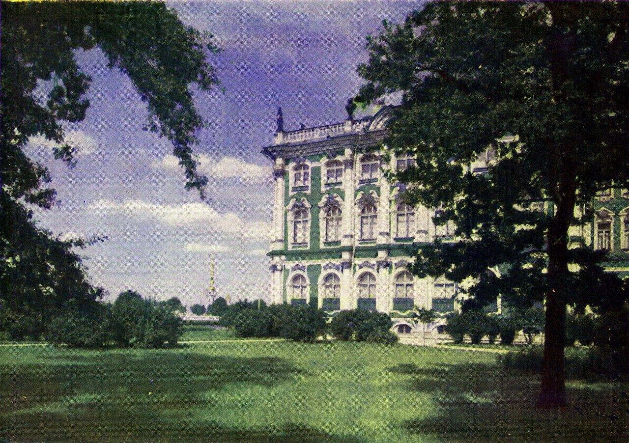 Зимний дворец со стороны Адмиралтейства