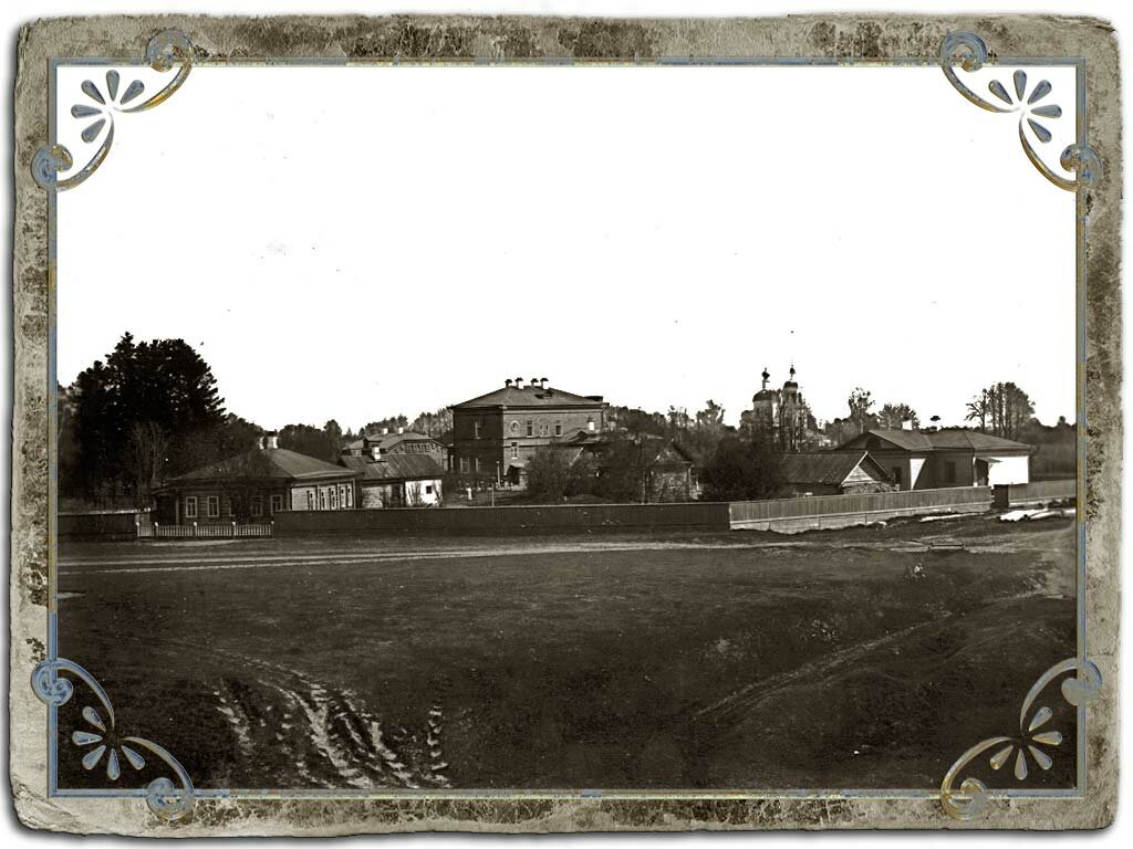 Вид больничного комплекса и церкви Св. Ап. Петра и Павла