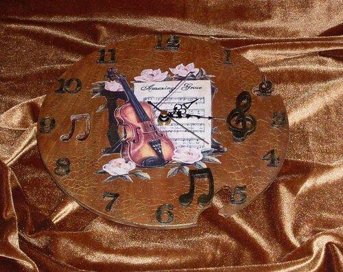 """Часы """"Мелодия для скрипки"""""""