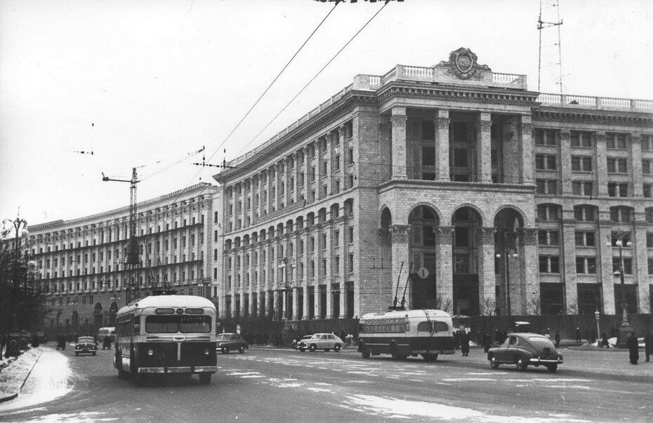 1955.12.20. Здание нового Главпочтамта на Хрещатике. Фото: Примаченко А.