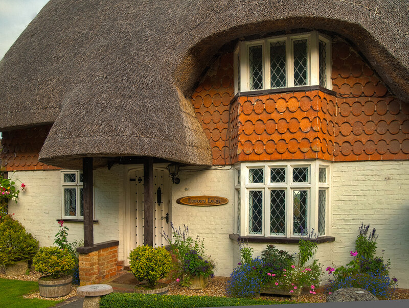 The beautiful thatched Hawkers Lodge cottage at Ampfield in Hamp