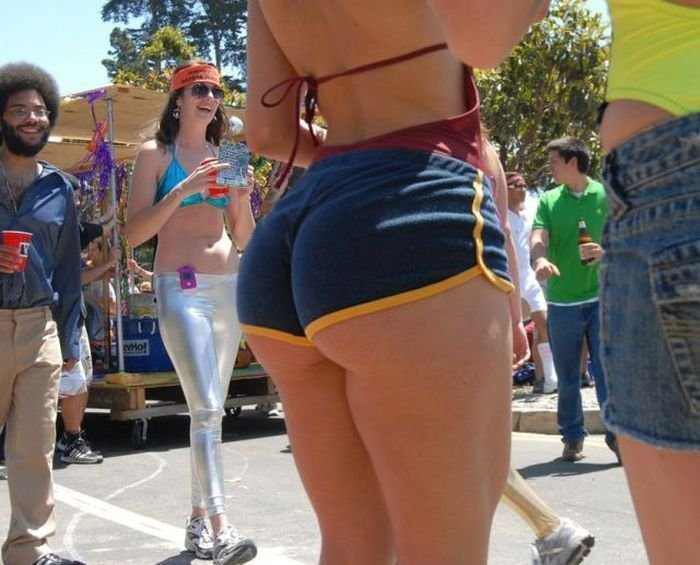 Девочки болшими голыми задницами фото 275-342