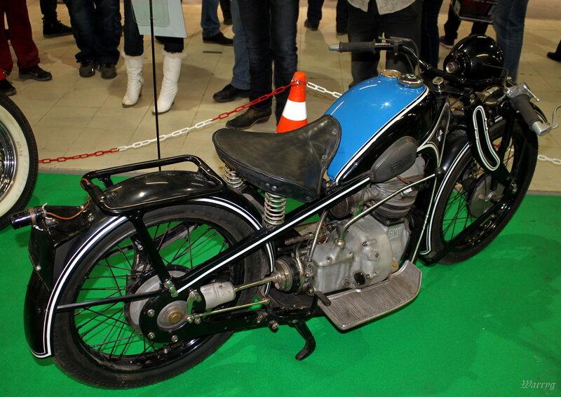 Немецкий мотоцикл BMW R2