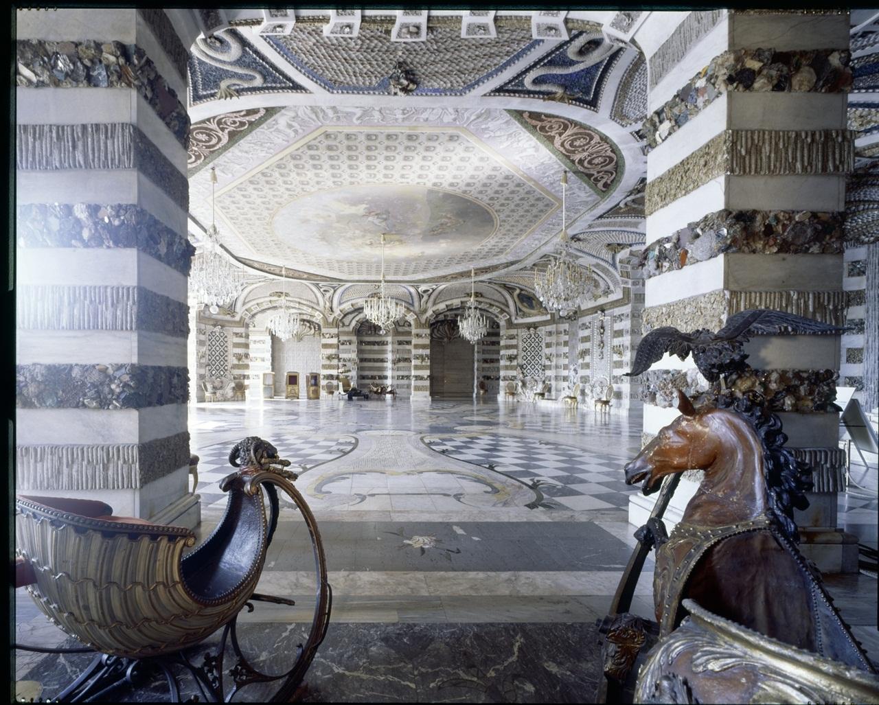 Potsdam, Park Sanssouci, Neues Palais, Grottensaal.