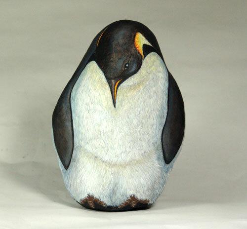 изображение пингвина на камне