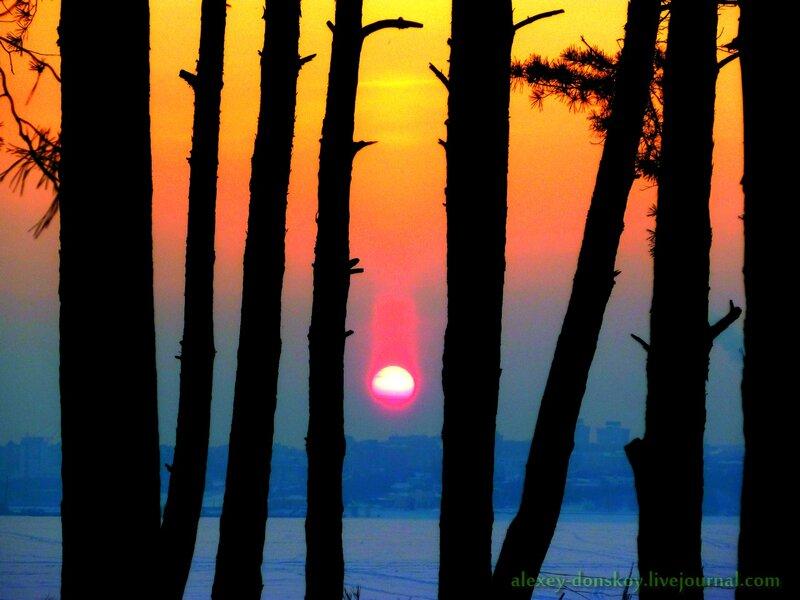 2013.02.20 17:47 закатный световой (солнечный) столб исполняет роль Чебоксарского метеорита :)
