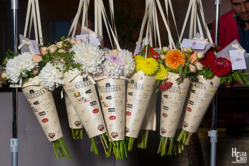 цветы в рожке Buketi pesnya