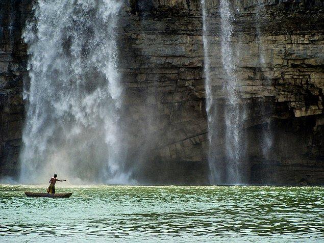 Водопады Chitrakot Falls, Чхаттисгарх