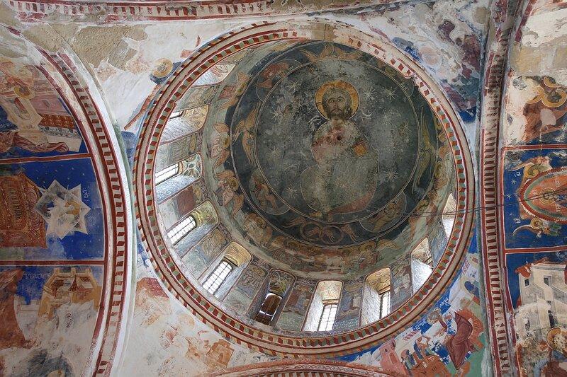 Роспись на куполе собора в Гелати