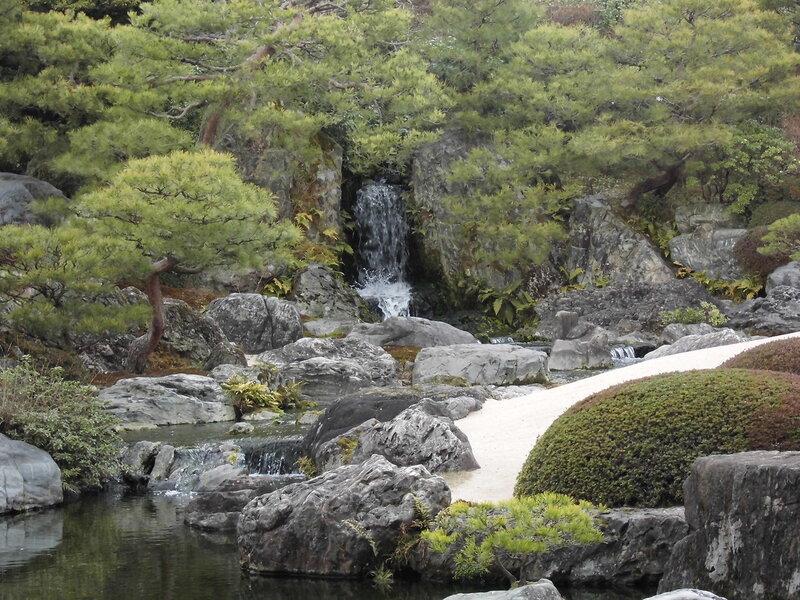 Сад мхов примыкает к чайному саду