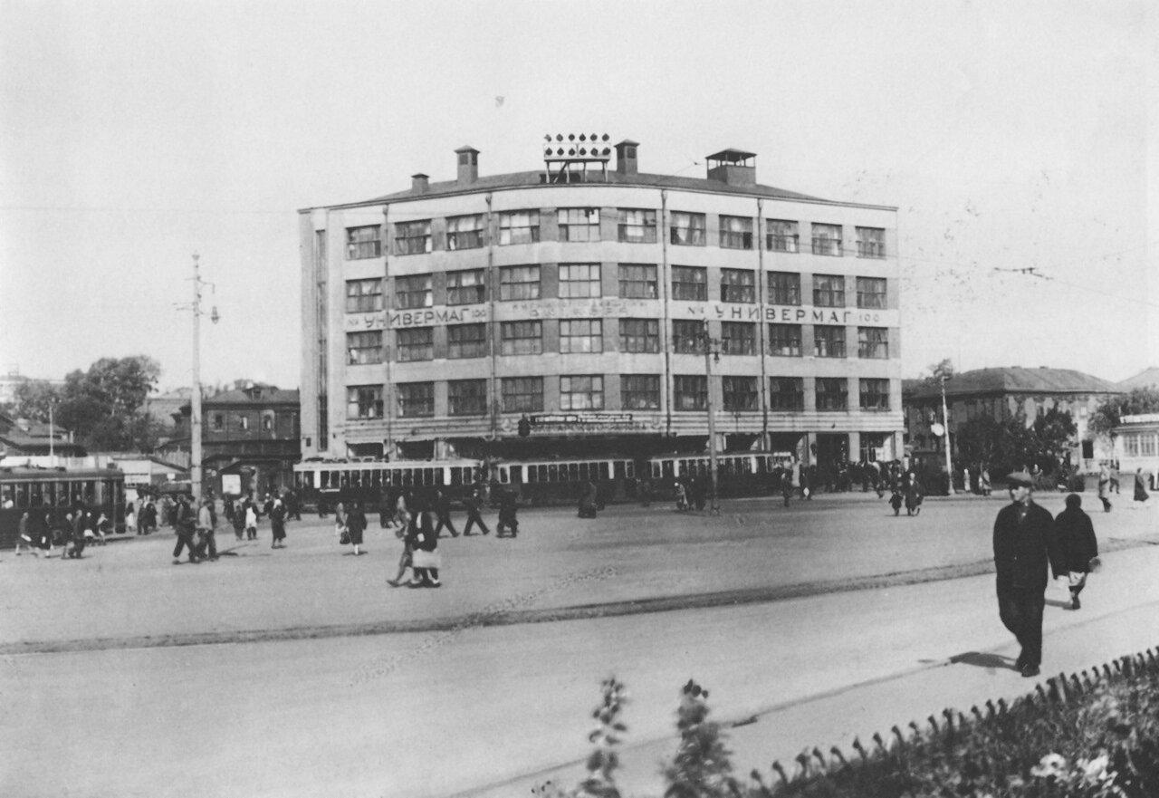 13. Площадь Крестьянской заставы.