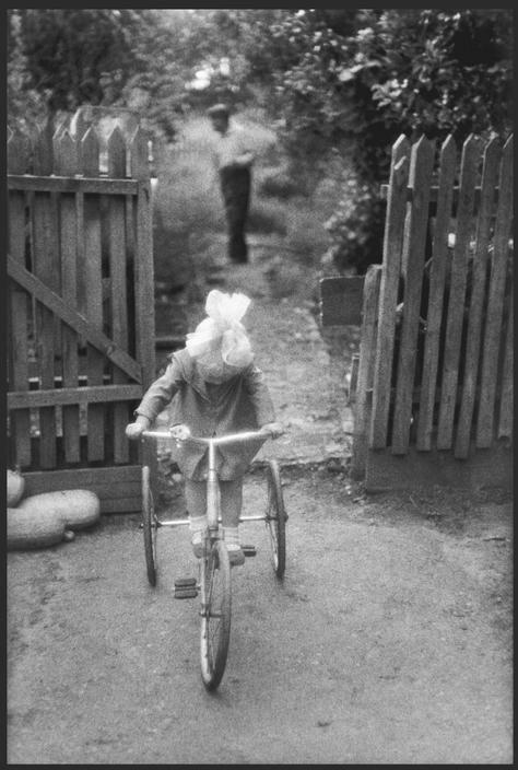 Девочка на велосипеде. Кубань