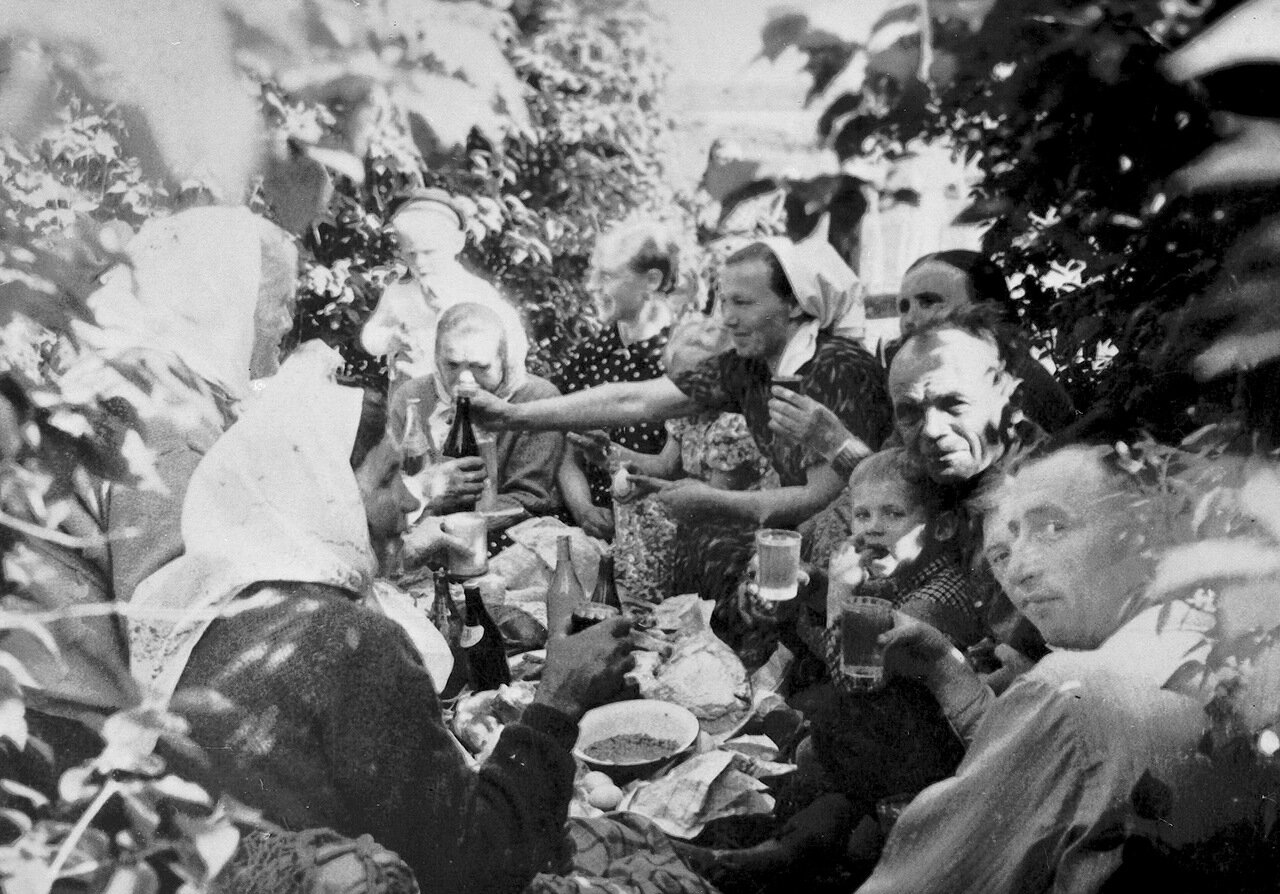 Троица. 50-е годы на Псковщине.