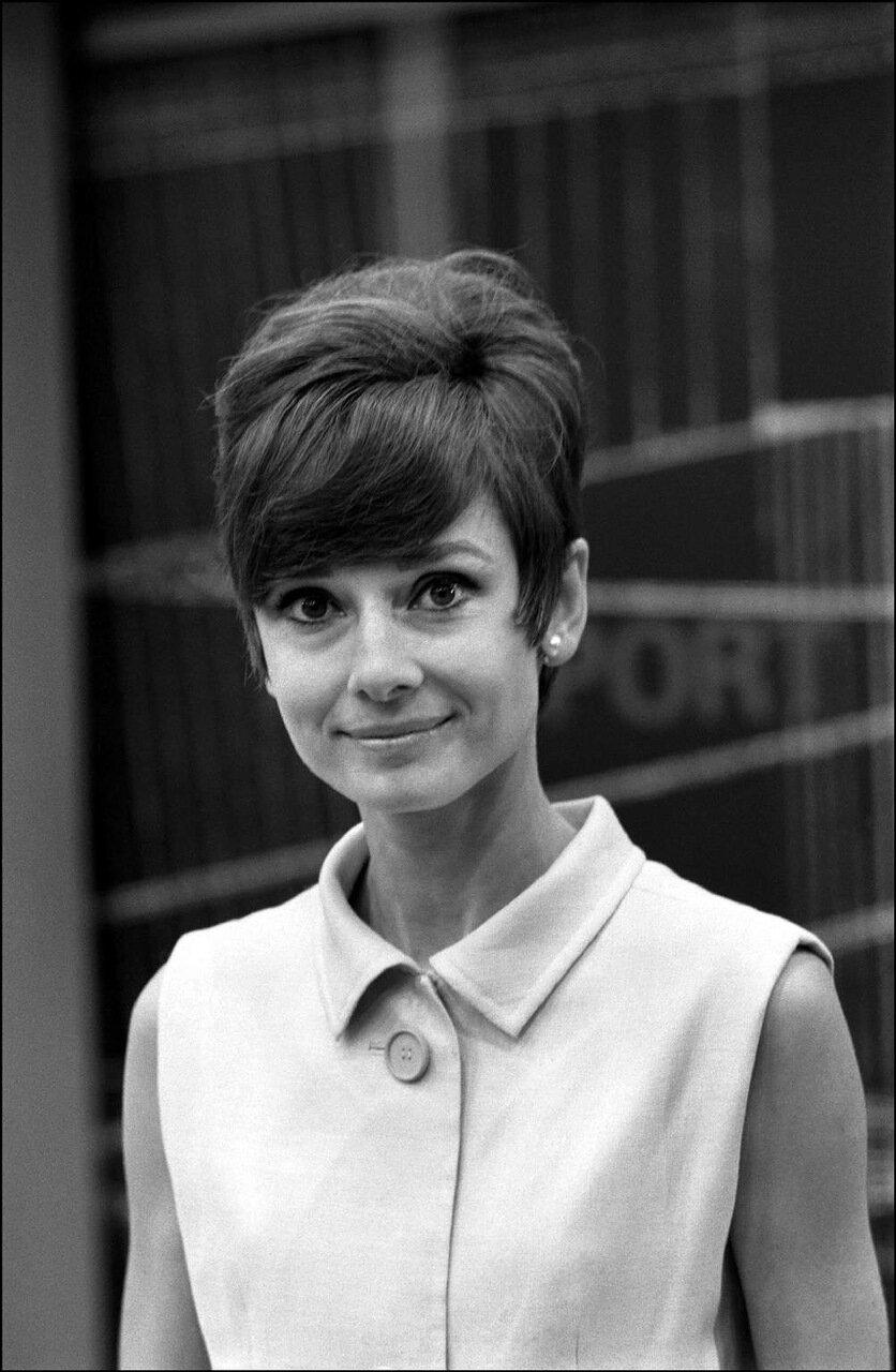 08/23/1965.  Audrey Hepburn in Paris