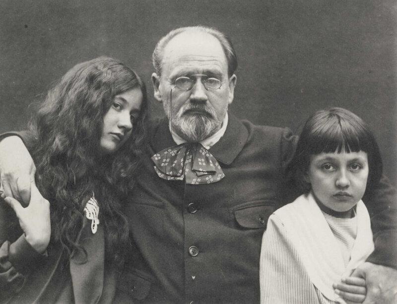 Эмиль Золя с детьми